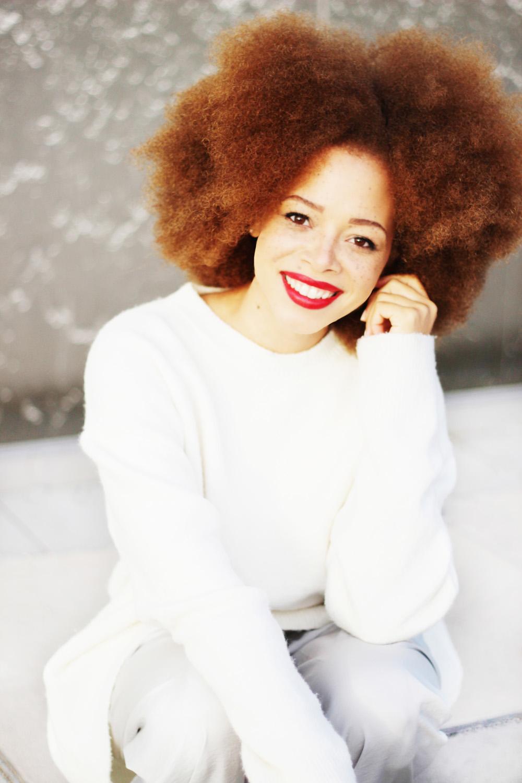 fatimayarie-afro-bighair-redhair-smile-mixedgirl-naturalcurls-whitesweater-img_3719