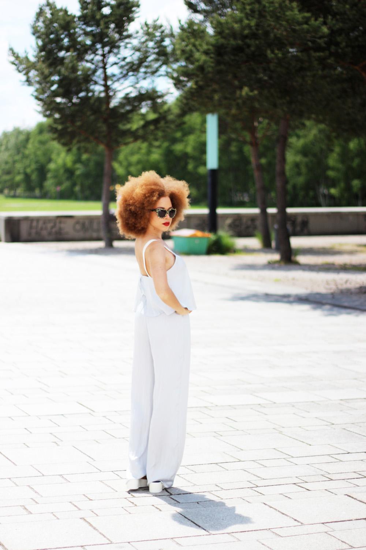 fatimayarie-afro-fashionblog-lightgrey-jumpsuit-germanblogger-img_6943