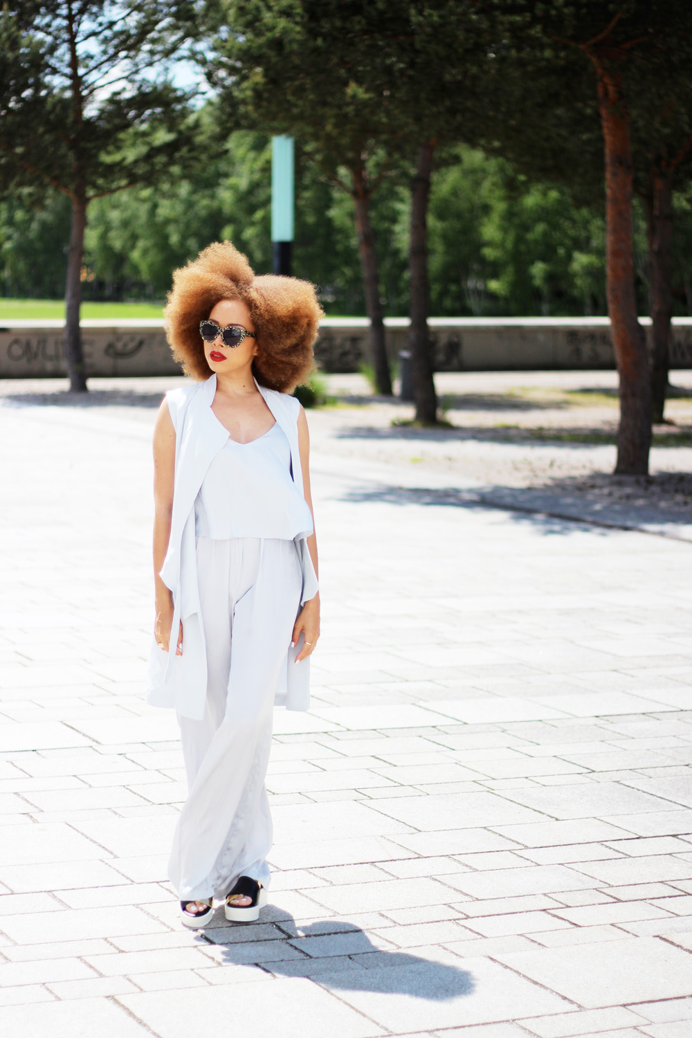 fatimayarie-afro-lightgrey-jumpsuit-vest-plateau-shoes-zara-img_6773
