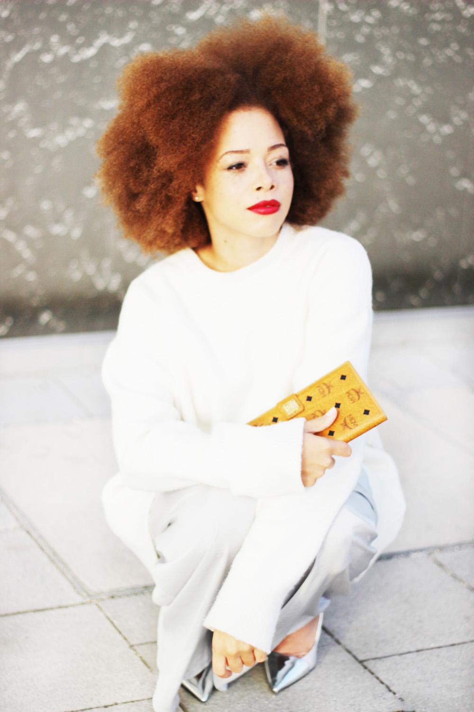 fatimayarie-afro-redcurls-mcm-wallet-whitesweater-fashionblogger-img_3729