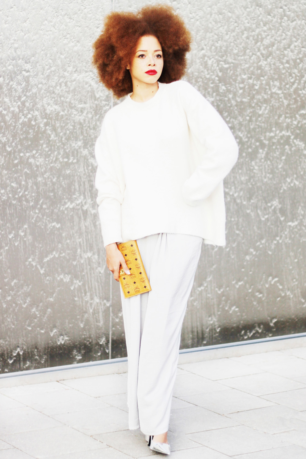 fatimayarie-afro-redcurls-redhair-mcmwallet-white-cosy-sweater-culottes-img_3589