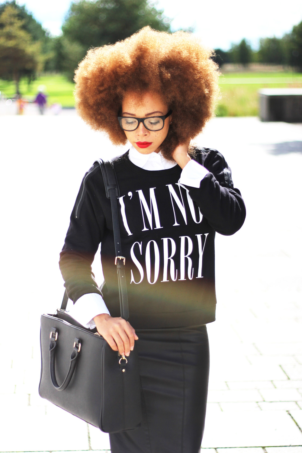 fatimayarie-afro-redhair-blacksweater-print-midiskirt-glasses-img_2422