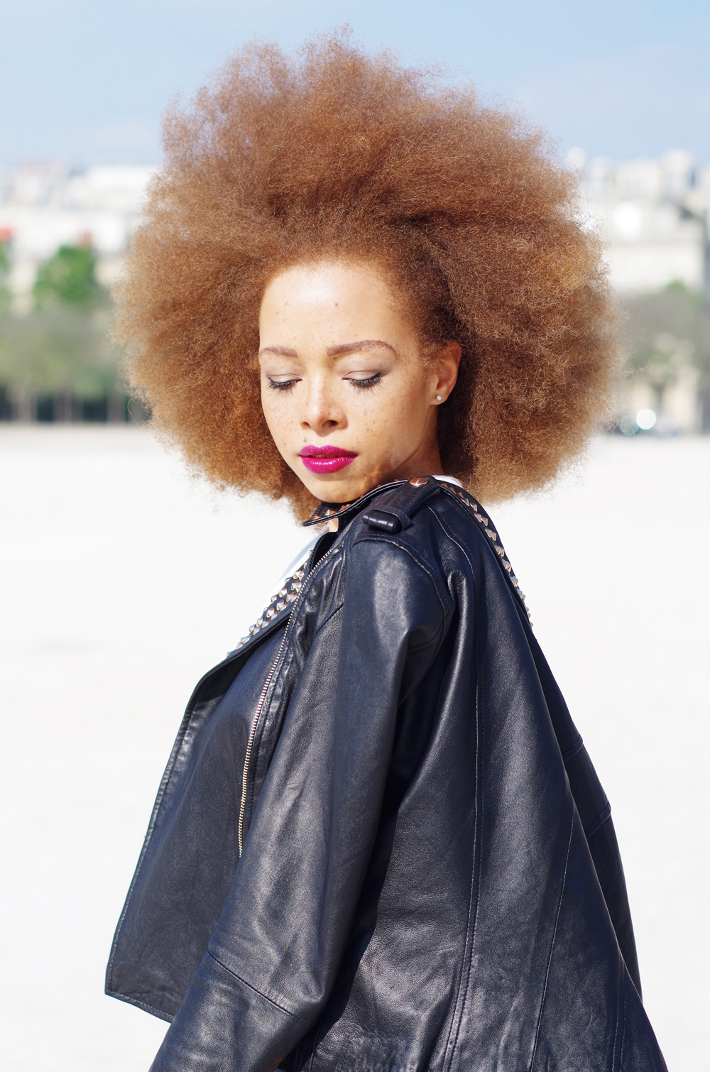 fatimayarie-afro-redhair-freckles-fashionblog-leatherjacket-paris-mixedgirl-imgp9282