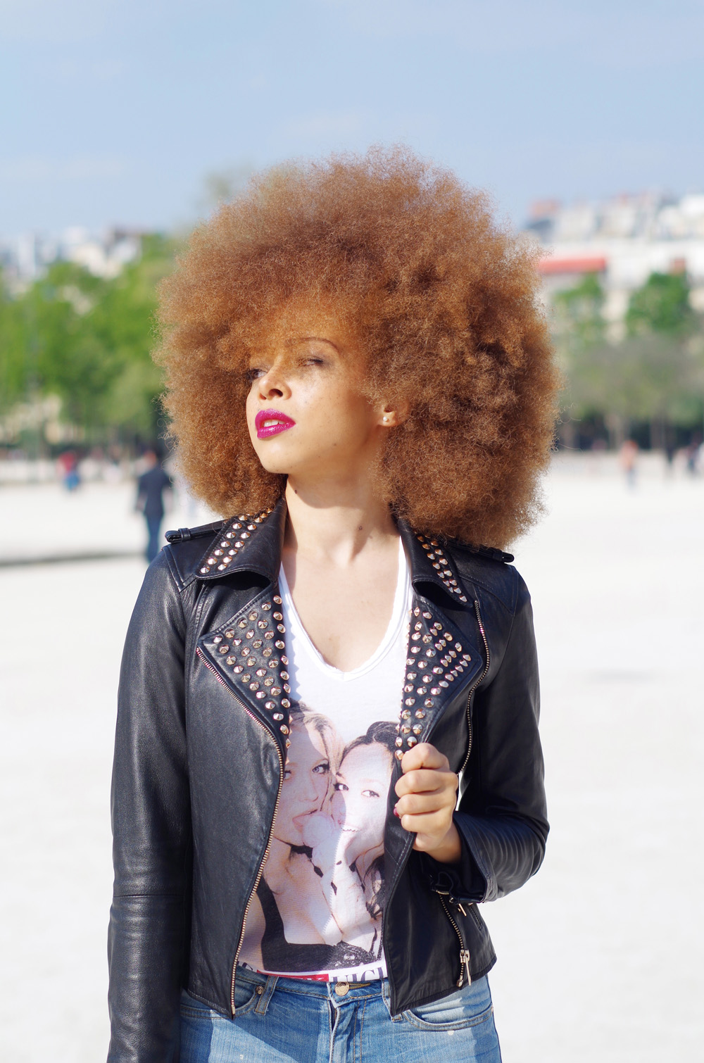 fatimayarie-afro-redhair-freckles-fashionblog-leatherjacket-studded-imgp9339