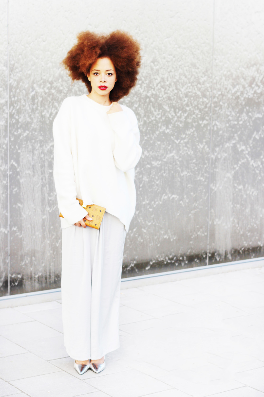 fatimayarie-afro-whitesweater-culottes-mcmwallet-styleblog-img_3782
