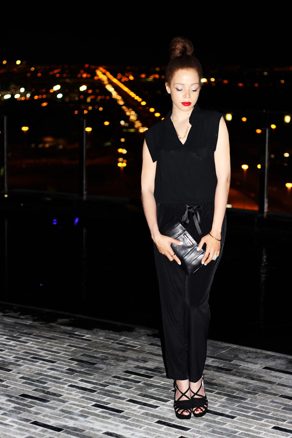 fatimayarie-black-blouse-leatherclutch-dubai-fashionblog-img_4192