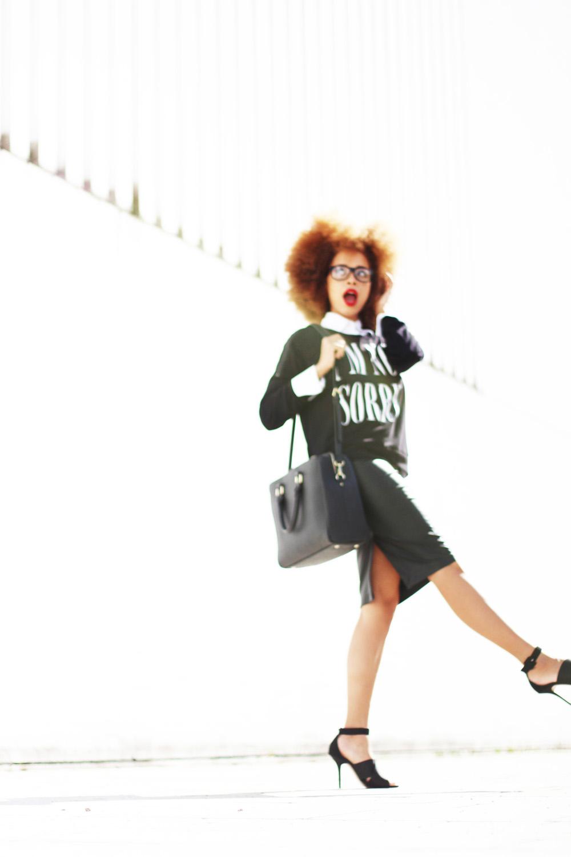 fatimayarie-black-leather-midiskirt-print-sweater-img_2509