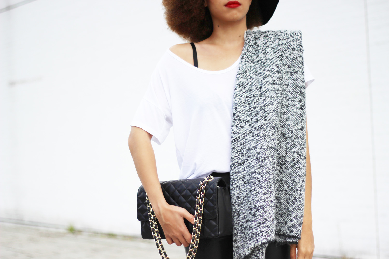 fatimayarie-blackandwhite-fashion-chanel-bag-greyscarf-whiteshirt-img_1934
