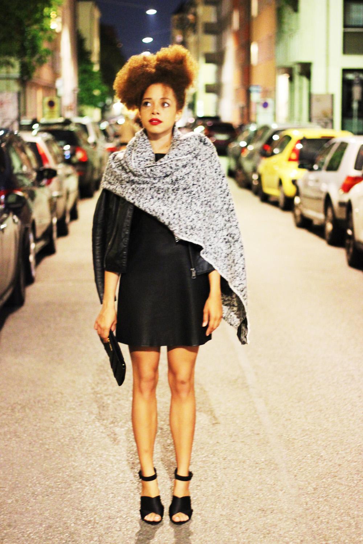 fatimayarie-blackleatherdress-grey-scarfcape-streetstyle-img_1741