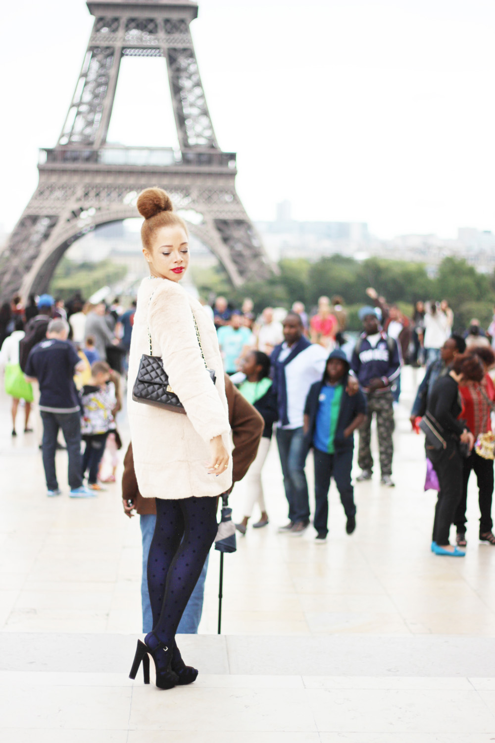 fatimayarie-fauxfur-coat-paris-toureiffel-chanel-calzedonia-img_0518
