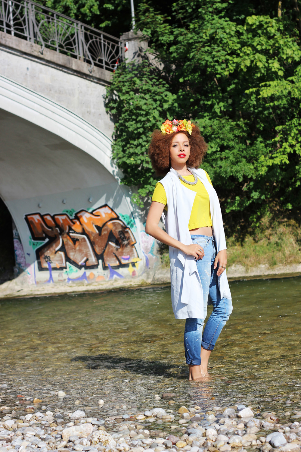 fatimayarie-flowerwreath-flowerpower-jeans-yellow-croptop-vest-img_9127