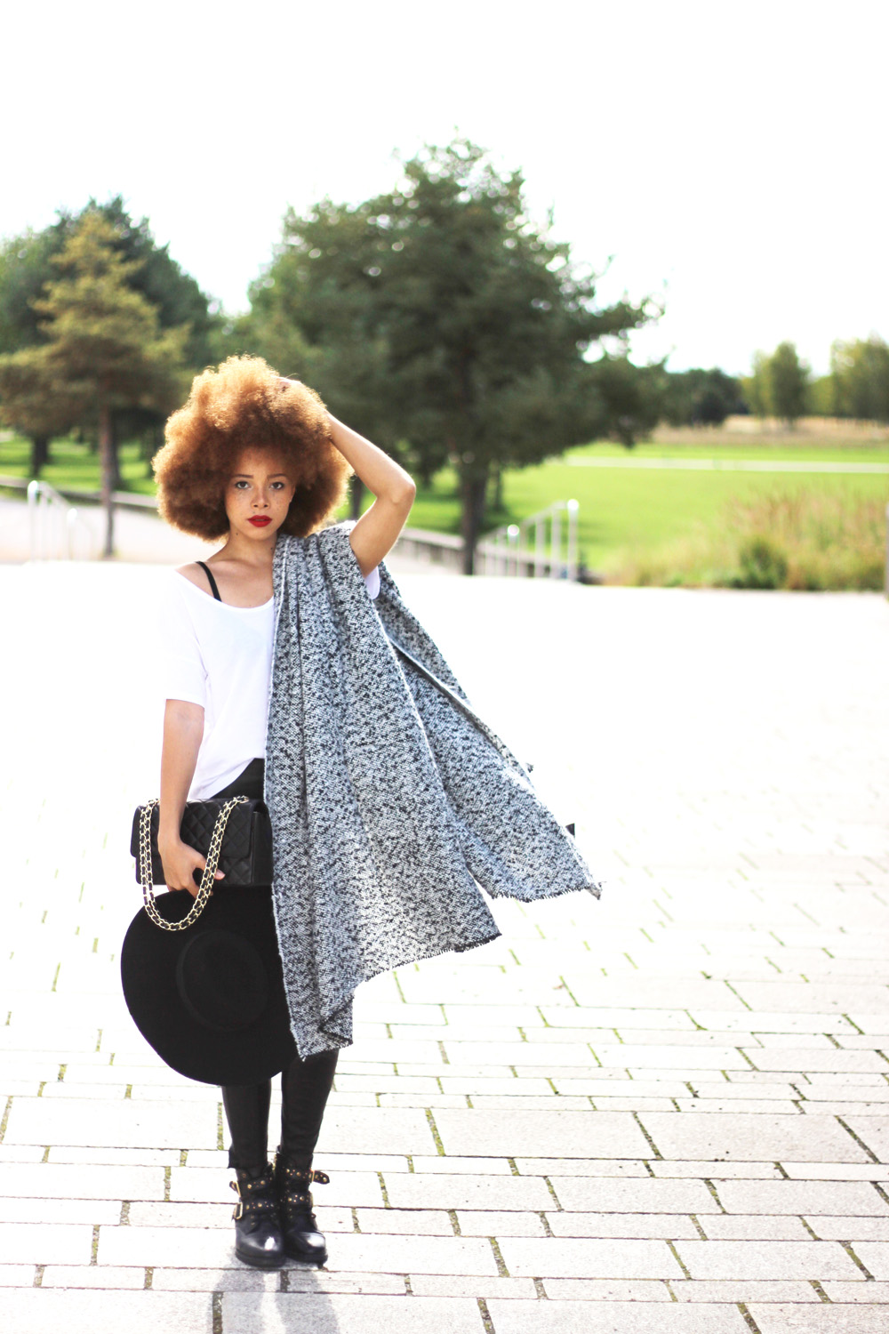 fatimayarie-greyscarf-scarfcape-afro-chanelbag-blackleatherpants-img_2048