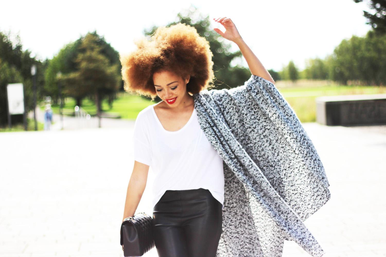 fatimayarie-greyscarf-scarfcape-afro-redcurls-munichblogger-img_2153