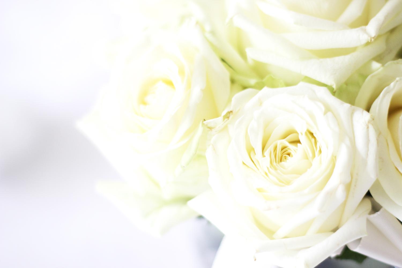 fatimayarie-homedecor-white-flowers-dinner-party-fashionblog-img_1332
