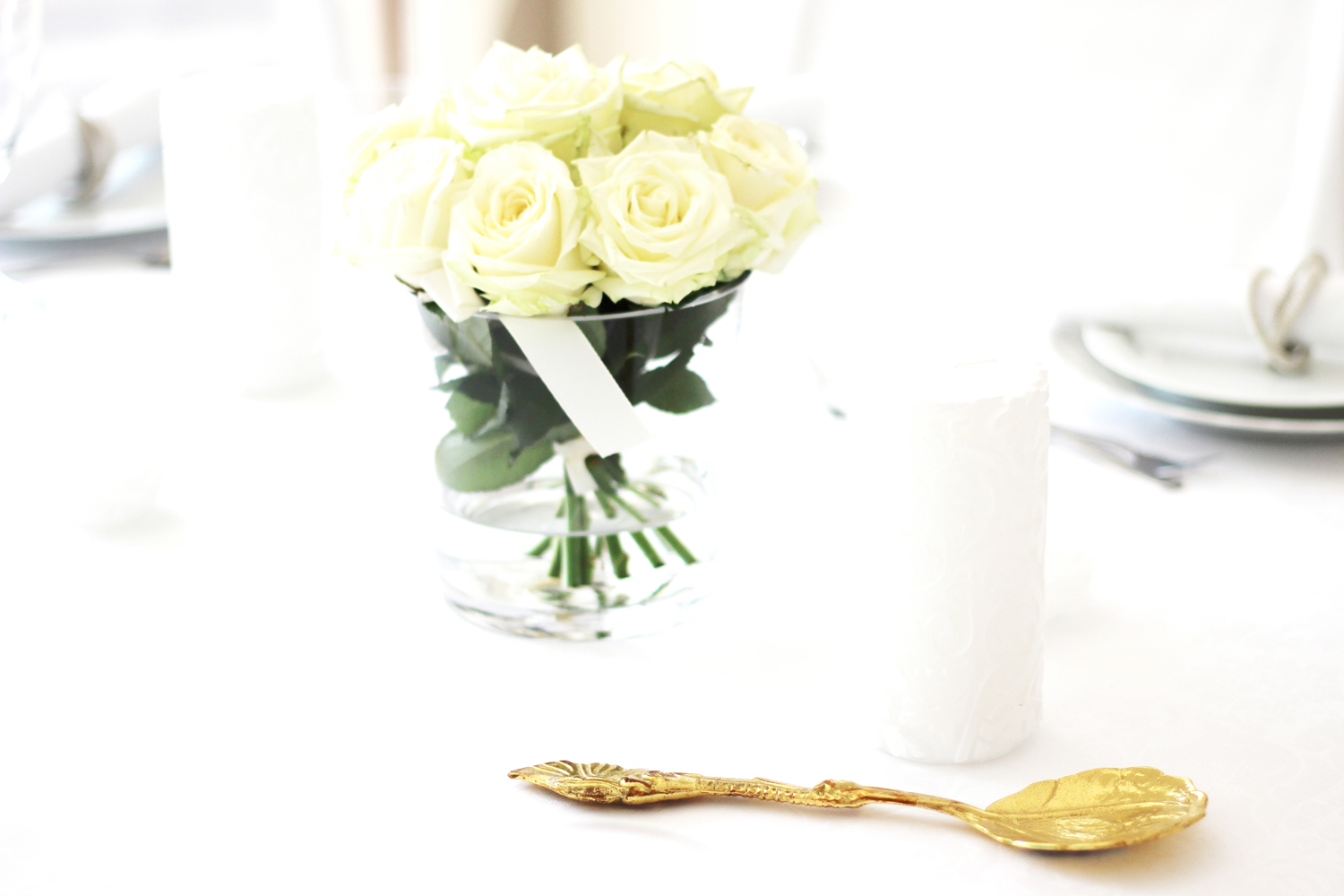 fatimayarie-homedecor-white-flowers-dinner-party-fashionblog-img_1348