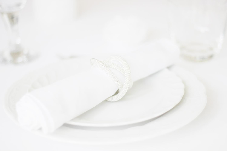 fatimayarie-homedecor-white-flowers-dinner-party-fashionblog-img_1351