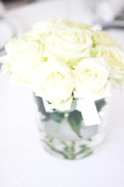 fatimayarie-homedecor-white-flowers-dinner-party-fashionblog-img_1352