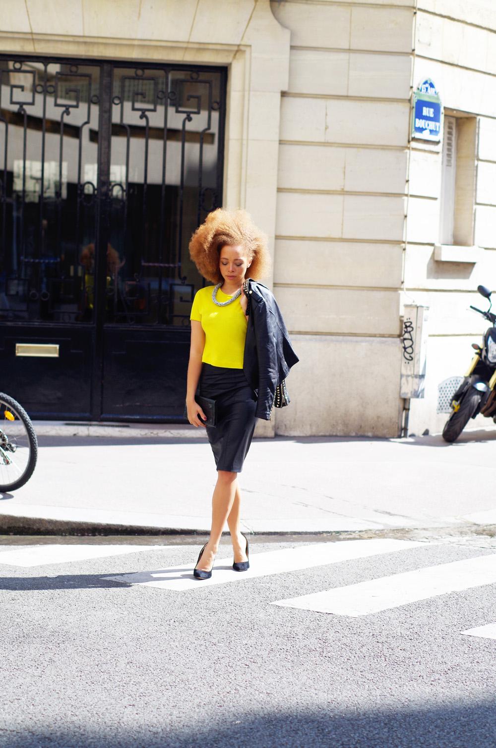 fatimayarie-paris-streetstyle-midiskirt-neon-croptop-imgp8722