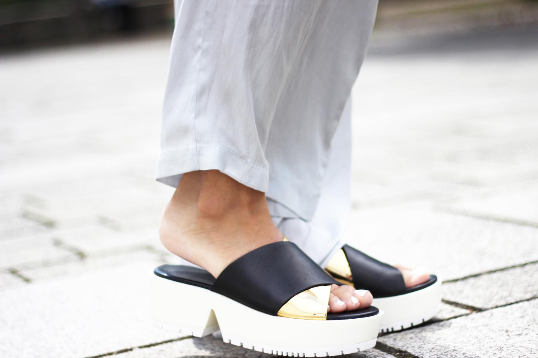 fatimayarie-plateau-sandals-platformshoes-golden-fashionblogger-img_7516