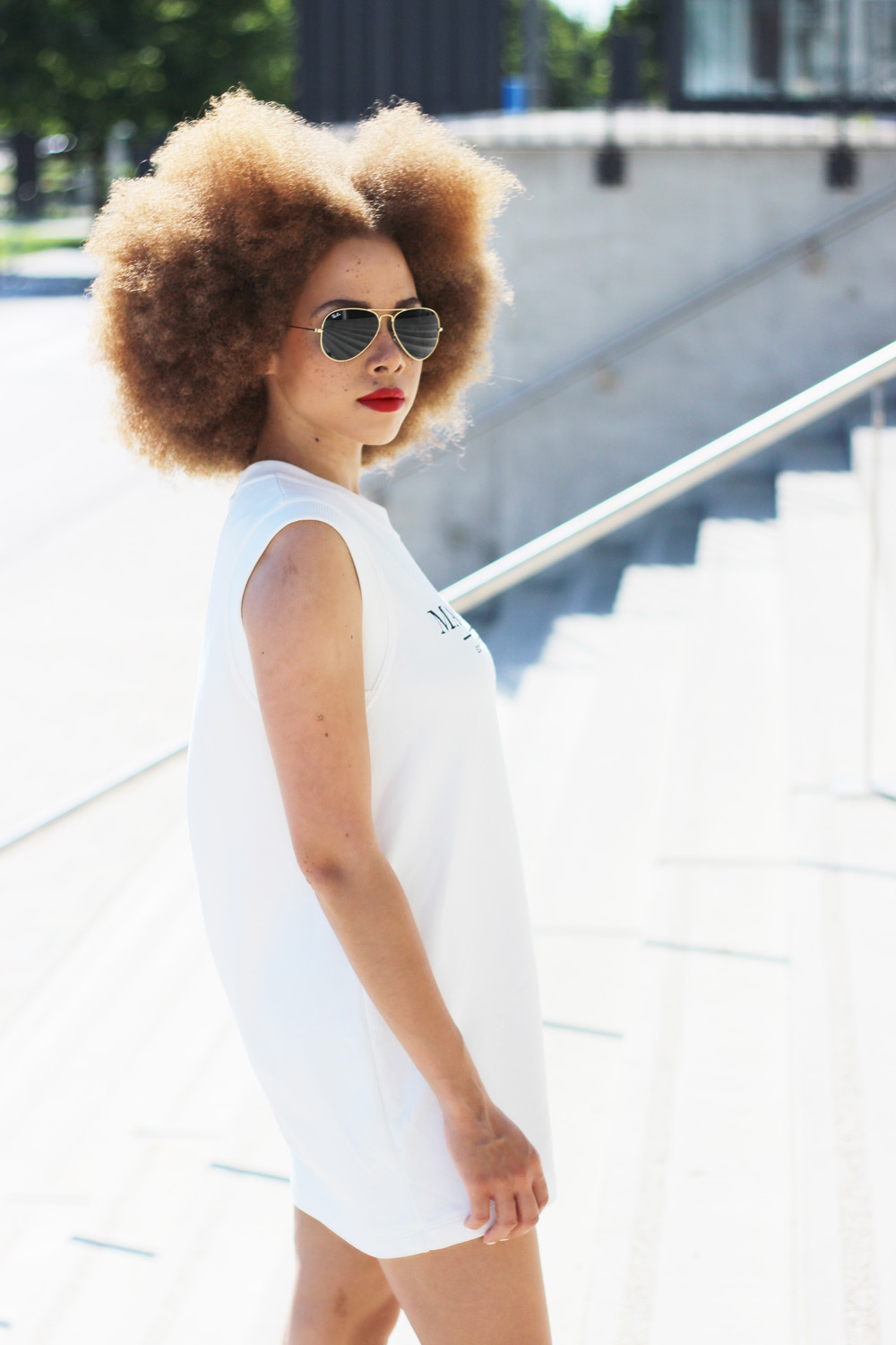 fatimayarie-rayban-sunglasses-sports-dress-naturalhair-img_8198
