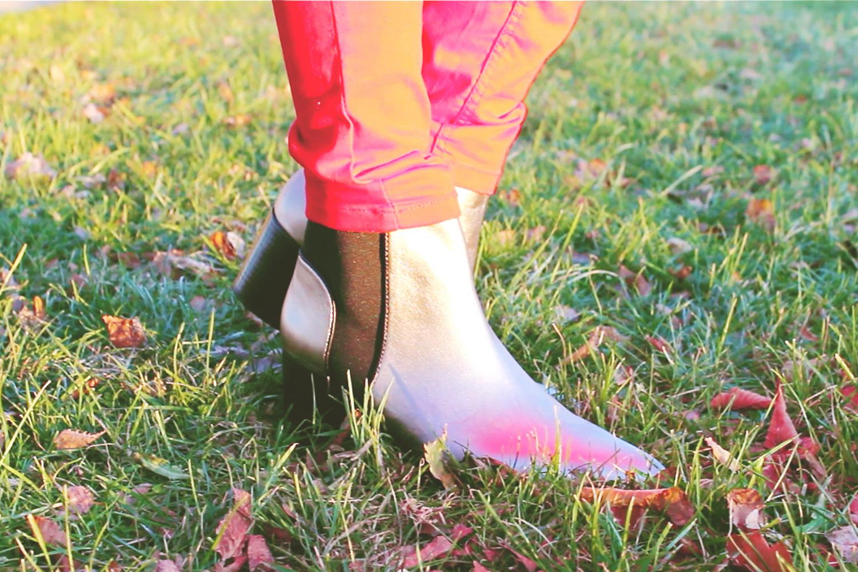fatimayarie-red-coat-silver-chelsea-boots-silberschuh