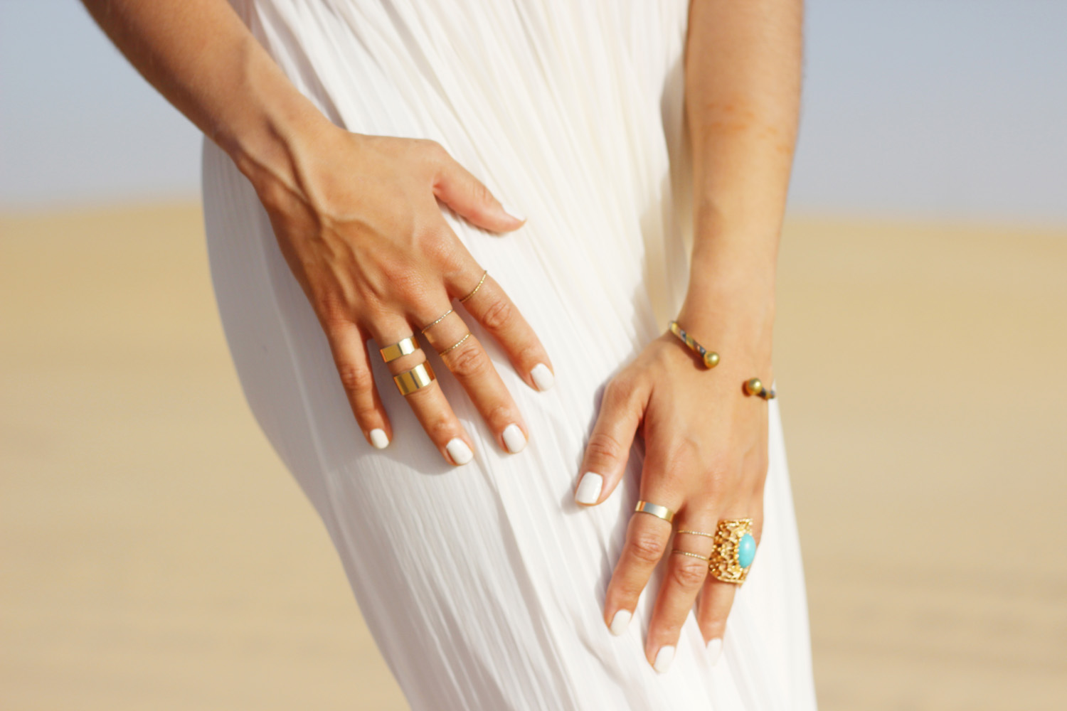 fatimayarie-rings-whitedress-desert-accessories-abudhabi-dubai-img_5600