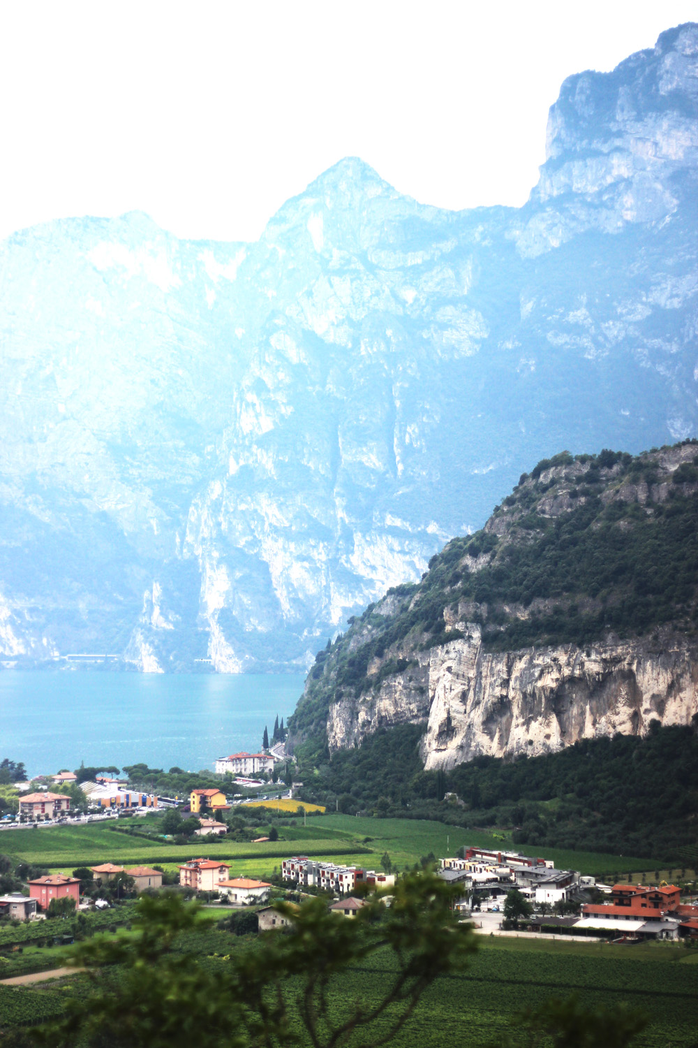 fatimayarie-rivadelgarda-lagodigarda-lakegarda-mountains-img_0278