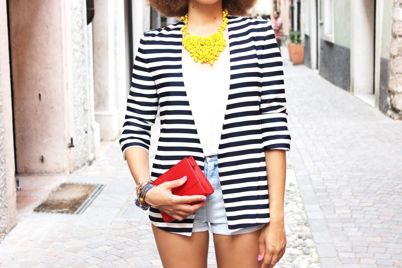 fatimayarie-stripedblazer-parmigianoclutch-jeansshorts-italia-blogger-img_0116