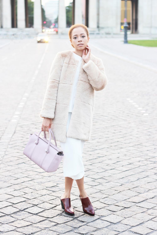 fatimayarie-white-culottes-rose-fauxfurcoat-mules-fashionblogger-img_1476