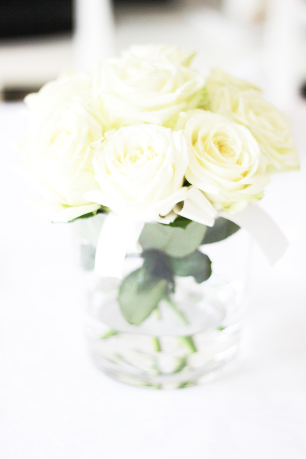 fatimayarie-white-flowers-homedecor-dinner-party-fashionblog-img_1331