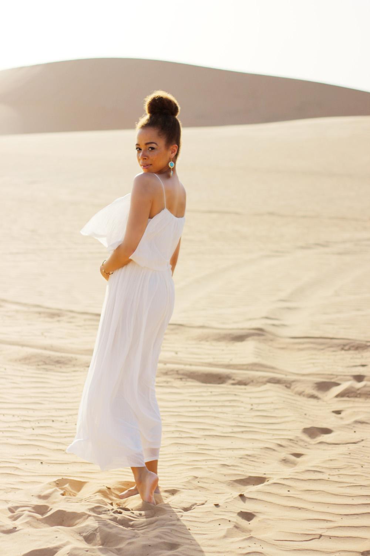 fatimayarie-white-maxidress-desert-abudhabi-dubai-uae-img_5552