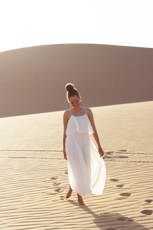 fatimayarie-white-maxidress-desert-abudhabi-dubai-uae-img_6006