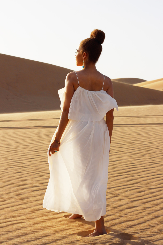 fatimayarie-white-maxidress-desert-abudhabi-dubai-uae-img_6066