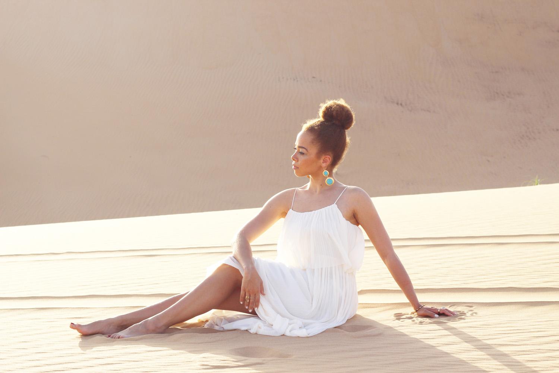 fatimayarie-white-maxidress-desert-abudhabi-dubai-uae-img_6109