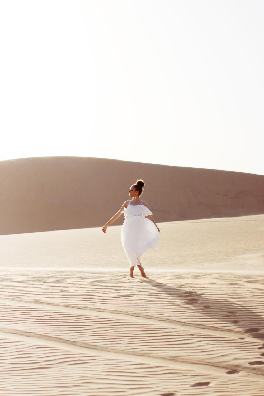 fatimayarie-whitedress-desert-abudhabi-dubai-uae-oriental-img_5783