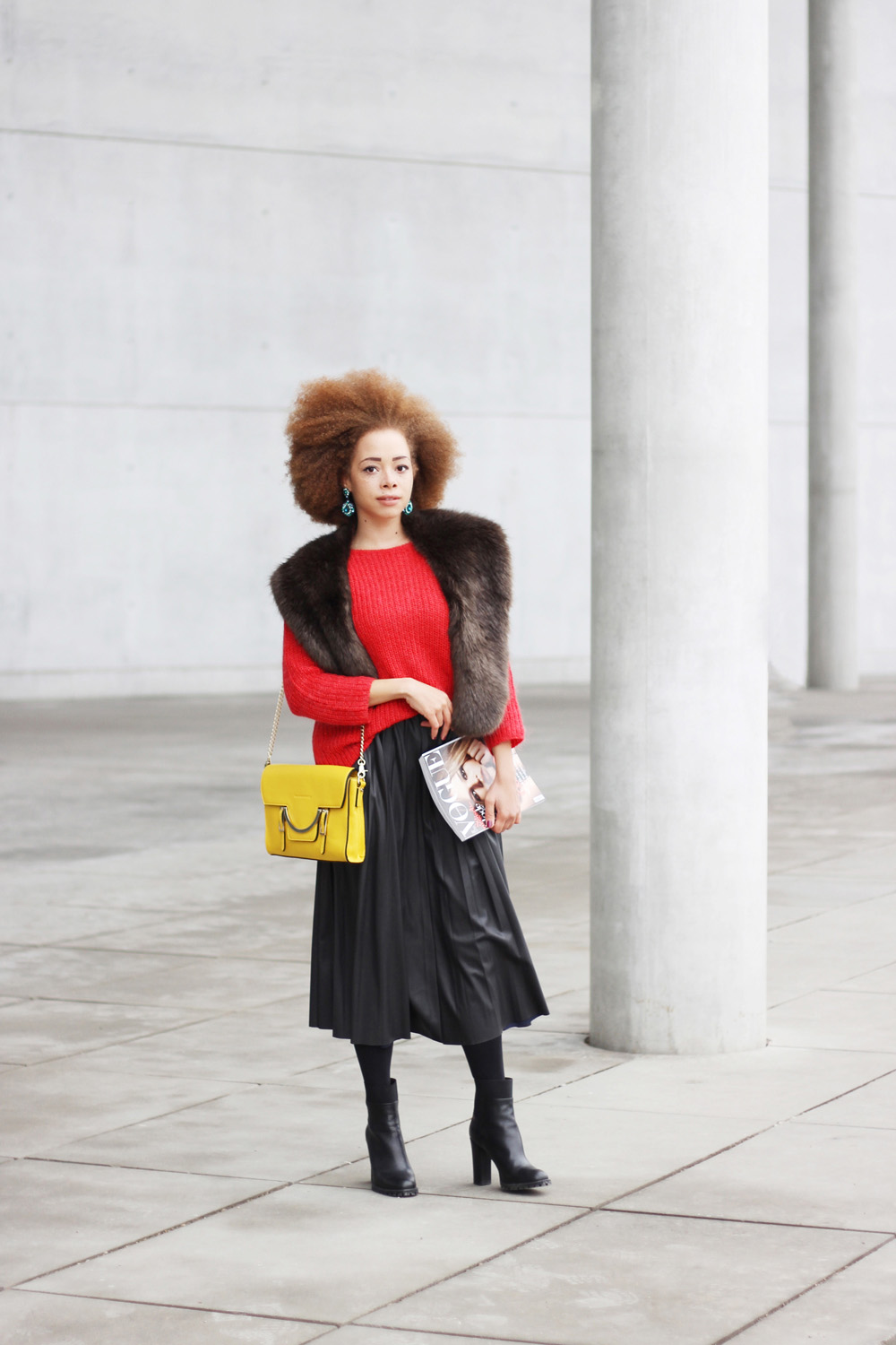 fatimayarie-afro-coccinelle-lemonbag-redsweater-fauxfurscarf-leatherskirt-vogue-img_6488