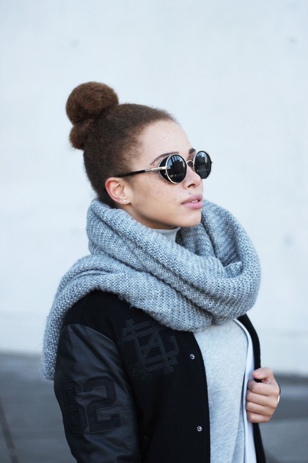 fatimayarie-afrobun-retro-pilotglasses-grey-scarf-bomberjacket-collegesweater-img_6319