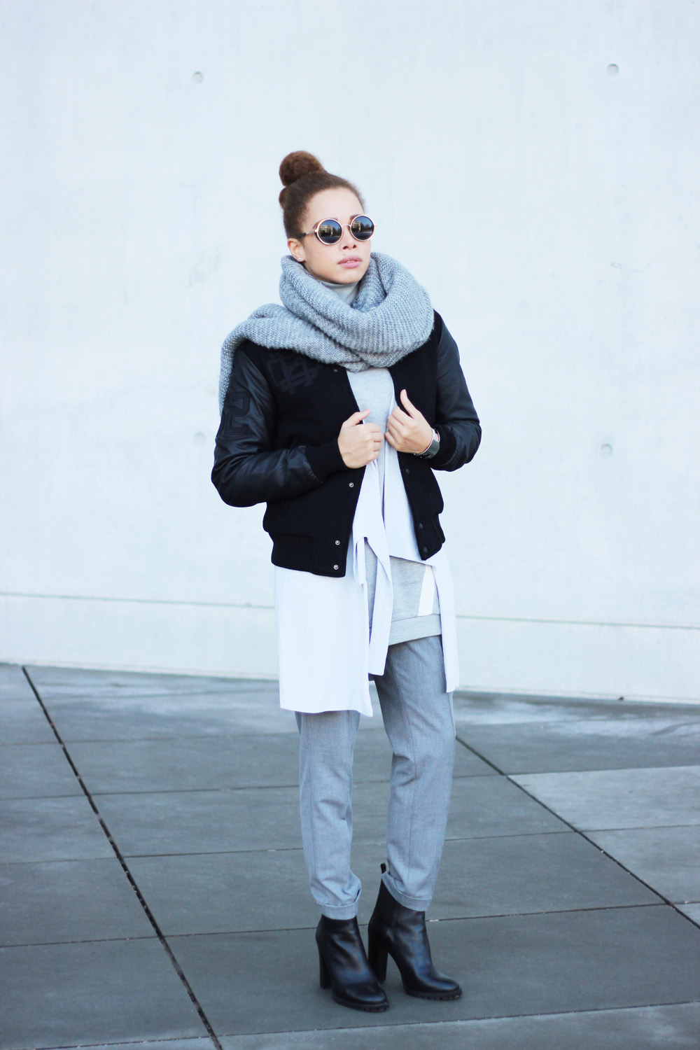 fatimayarie-grey-bomberjacket-vest-collegesweater-ankleboots-img_6220