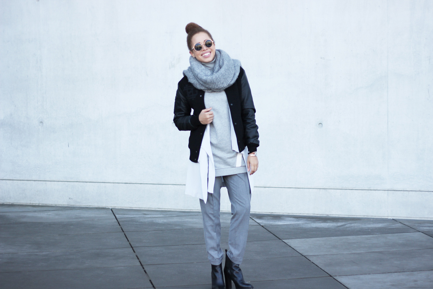 fatimayarie-grey-bomberjacket-vest-collegesweater-retro-round-glasses-img_6282