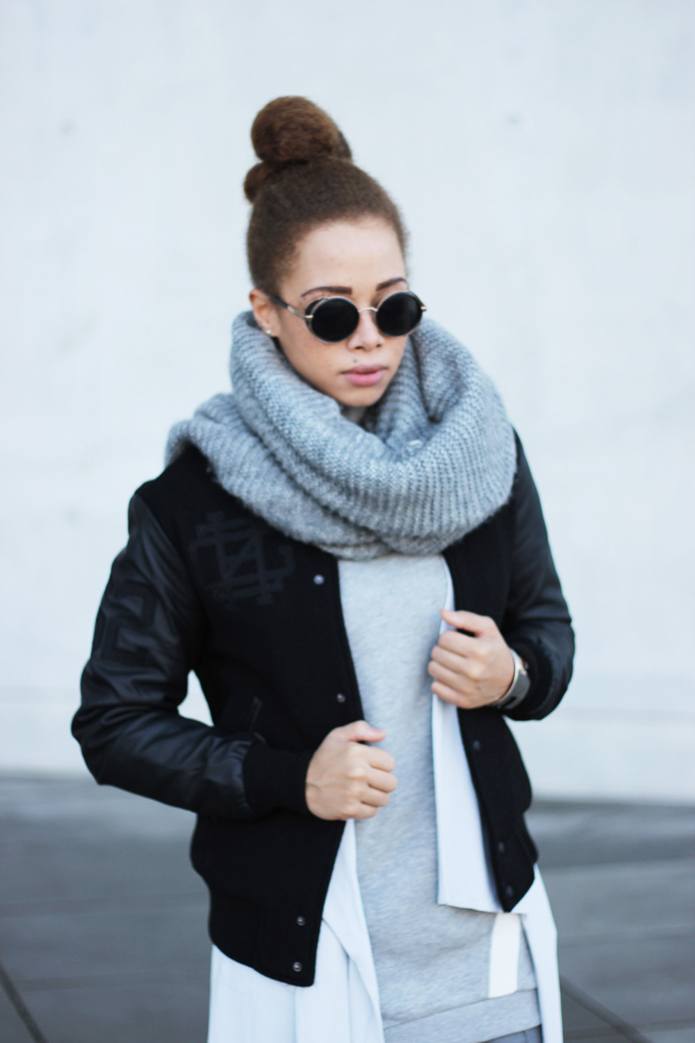 fatimayarie-grey-scarf-bomberjacket-collegesweater-retro-pilotglasses-img_6238