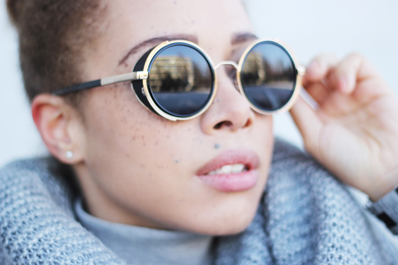 fatimayarie-retro-pilotglasses-freckles-mixedgirl-fashionblog-img_6335