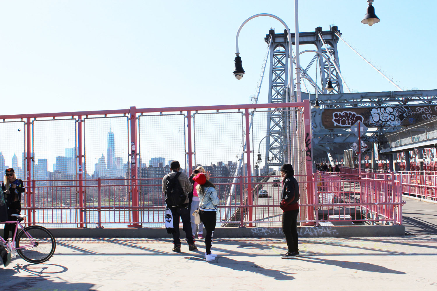 fatimayarie-newyorkcity-williamsburgbridge-skyline-graffiti-streetstyle-kids-img_8013
