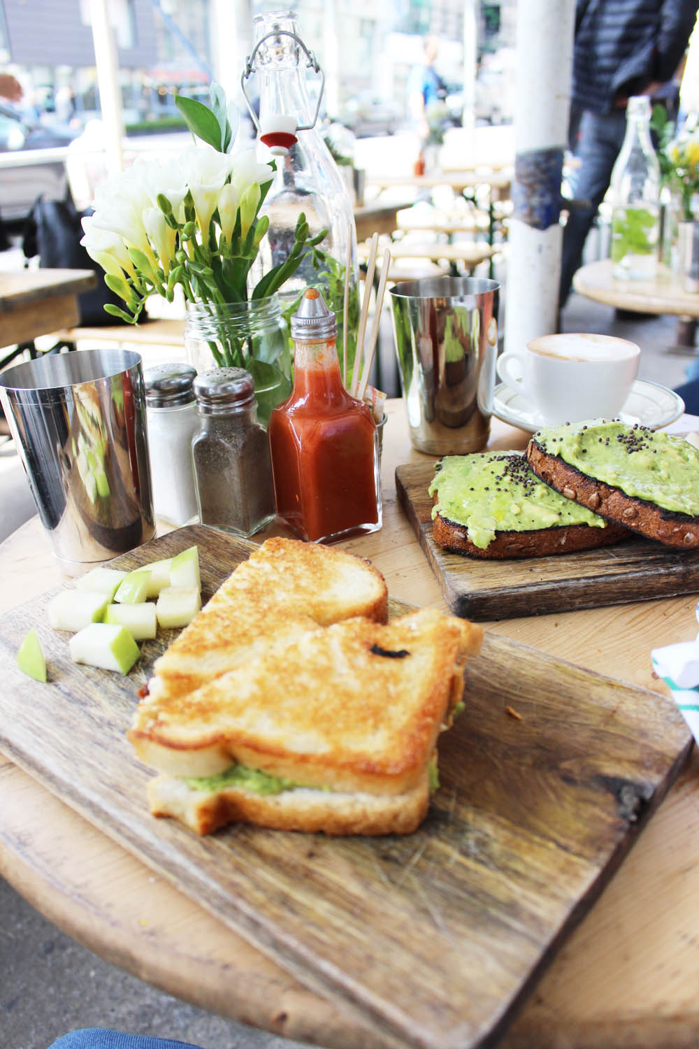 fatimayarie-avocadobread-thebutchersdaughter-newyorkcity-food-travel-img_8391
