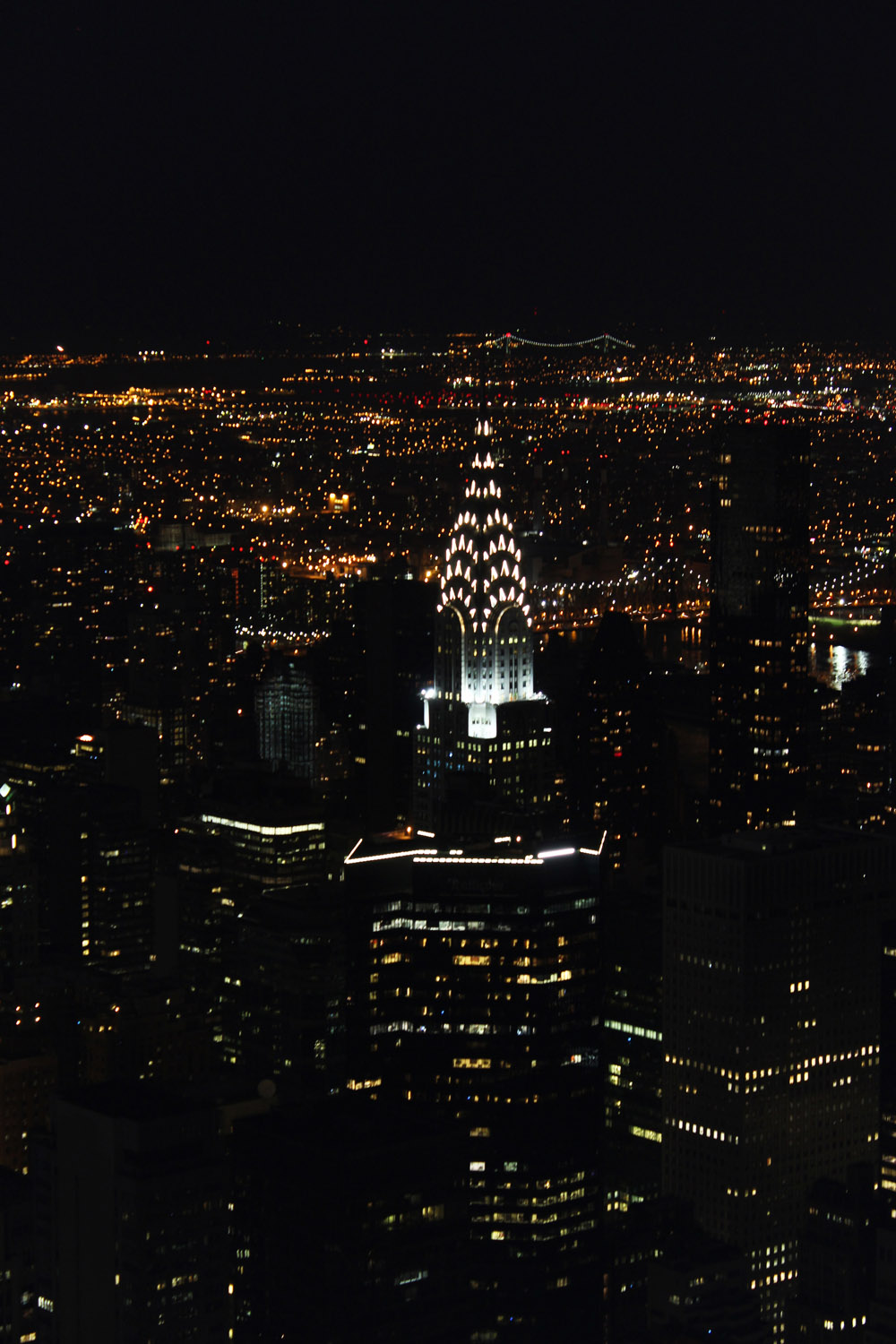 fatimayarie-newyorkcity-chryslerbuilding-citylights-night-usa-travel-img_8363