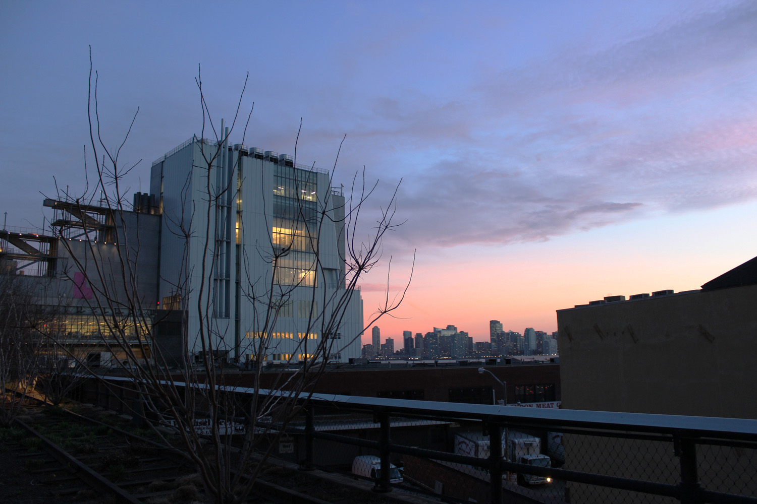 fatimayarie-newyorkcity-highline-pink-sunset-meatpacking-img_8739