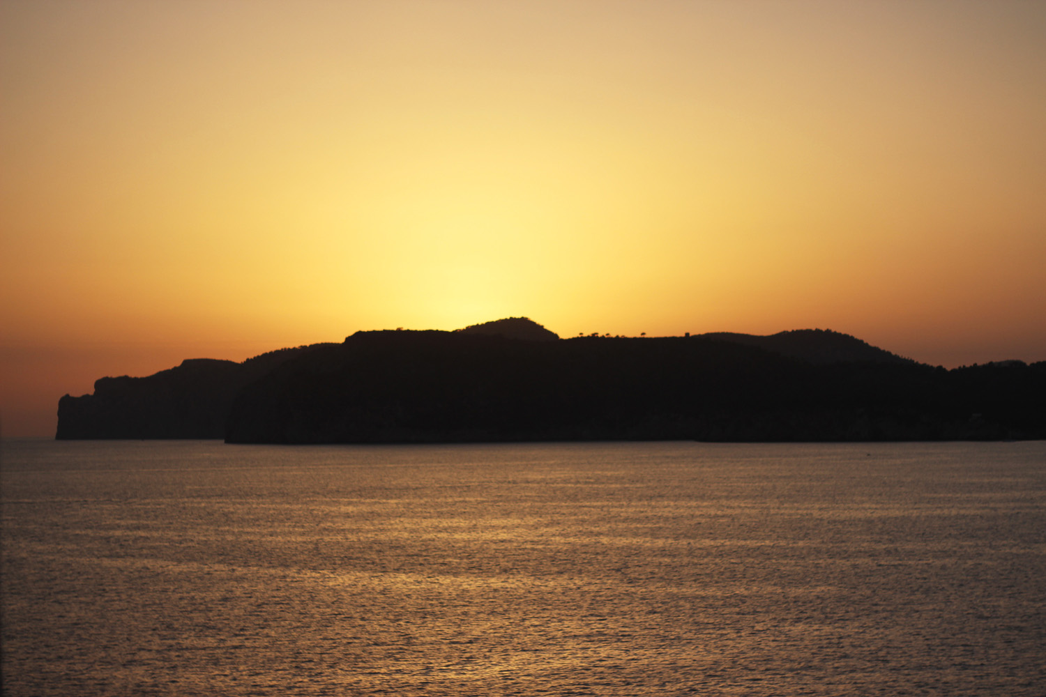 fatimayarie-mallorca-sunset-island-beach-sunrise-orange-santaponsa-img_1460