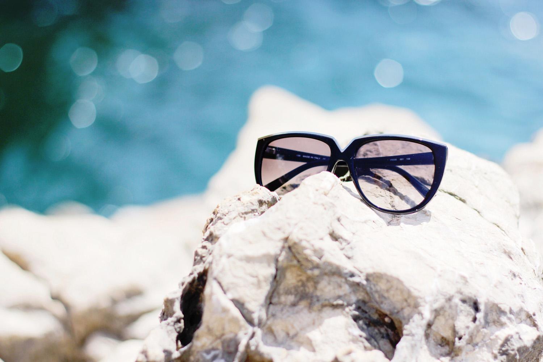 fatimayarie-valentino-black-sunglasses-mallorca-beach-img_2515