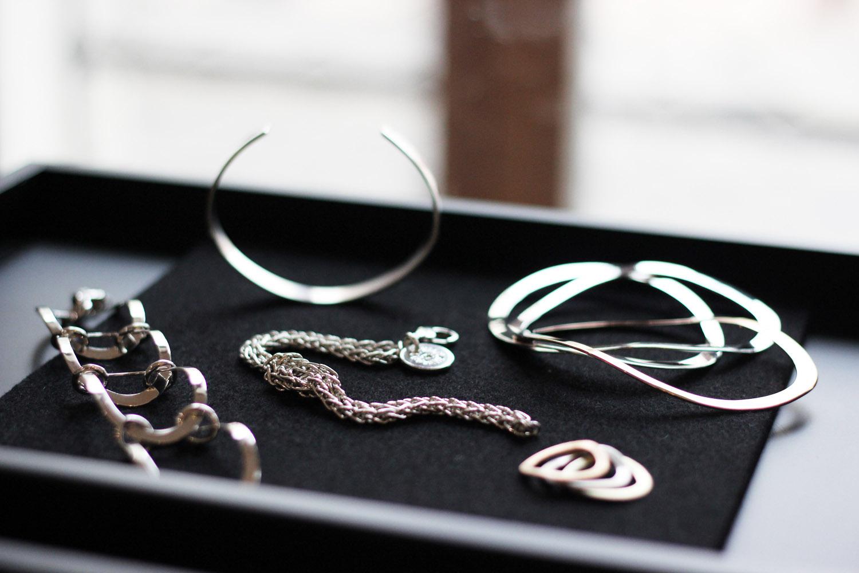 fatimayarie-kuestensilber-jewelry-silver-bracelet-rings-img_1595