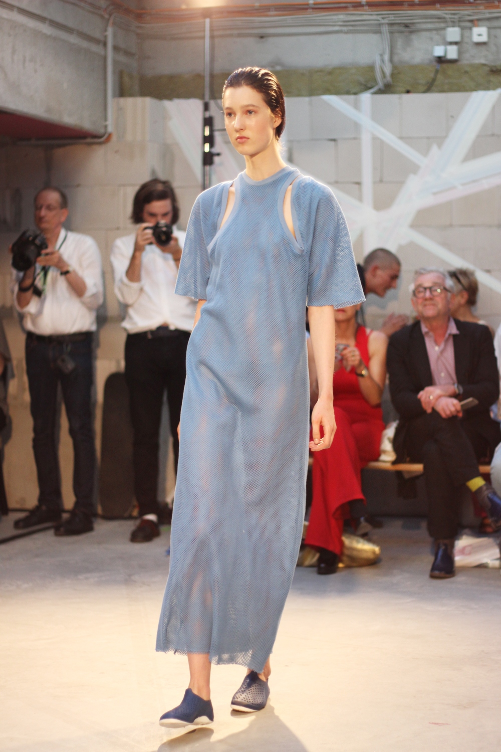 fatimayarie-berlinfashionweek-samplecm-runway-blue-dress-img_4036