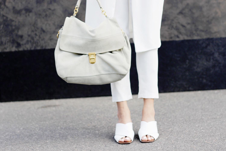 fatimayarie-coccinelle-bag-anthrazit-grey-white-slipins-img_3689